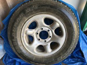 Isuzu 225-75-R16 Six Screw Ring Tire